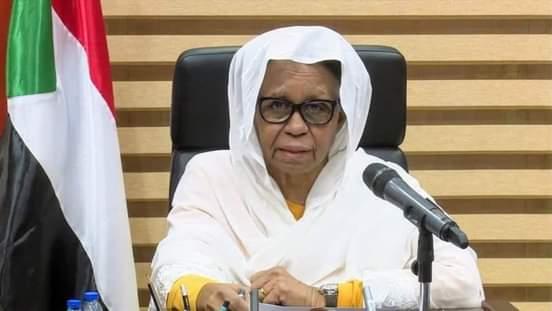 عضو مجلس السيادة الانتقالي الأستاذة عائشة موسى،