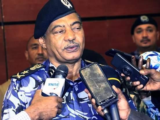 الفريق شرطة بشير الطاهر رئيس هيئة الجمارك