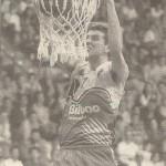 19960428 El Mundo EBA jugador LARSON. RUSSELL ELLIS