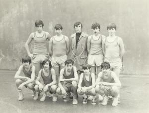 1974-75 Maristas INF con Jesús Ituiño