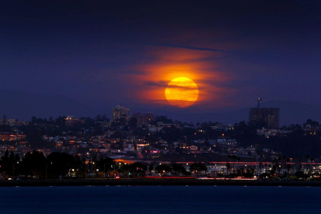 2nd - Tom Applegate - Moonrise