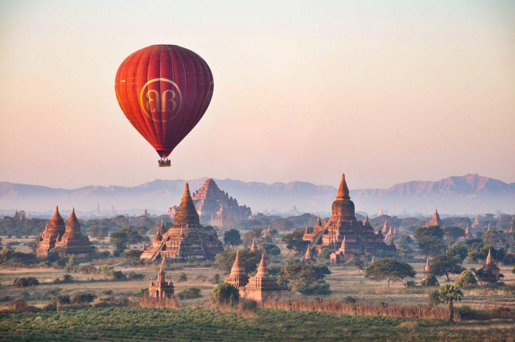 Hon - Osia Strasner - Balloons at Bagan