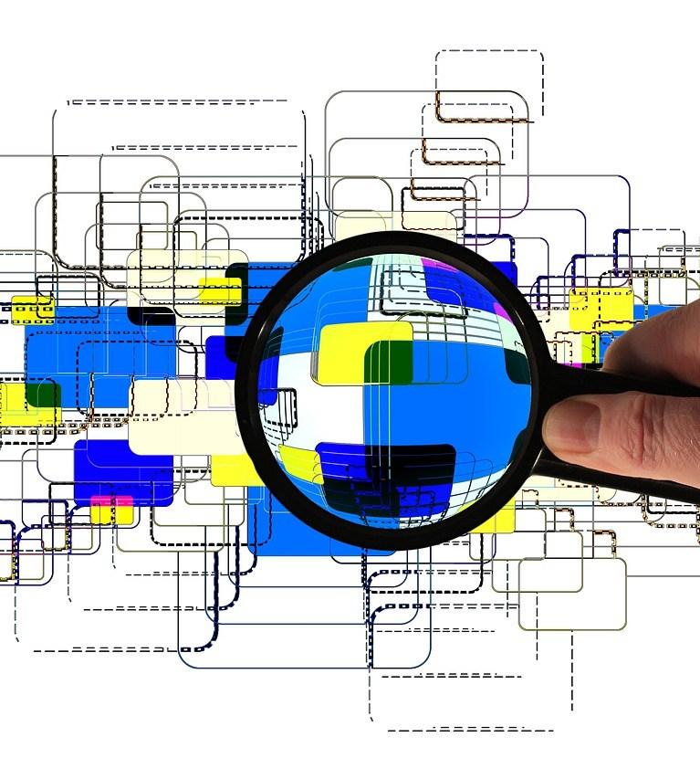 Hand Keep Magnifying Glass Monitor  - geralt / Pixabay