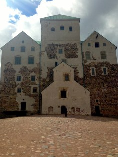 I got to be a make-believe princess for a day during our visit to the beautiful Turku Castle.