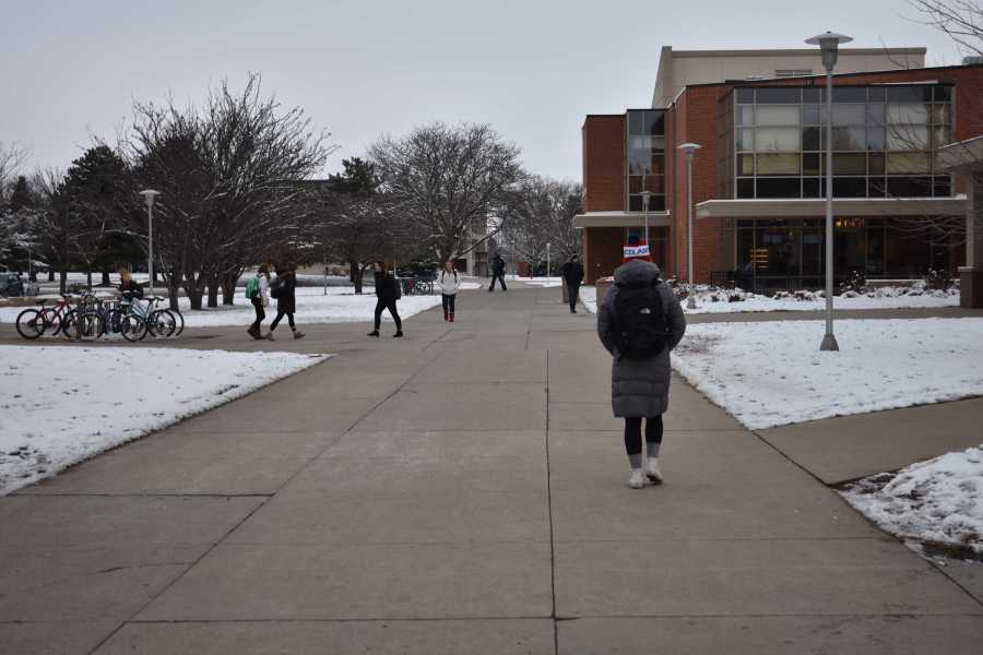 ABBY+FULLENKAMP%0AWinter+at+South+Dakota+State+could+lead+to+frostbite+if+students+don%E2%80%99t+dress+appropriately+going+to+class.+Dressing+in+layers+and+avoiding+icy+patches+can+help.
