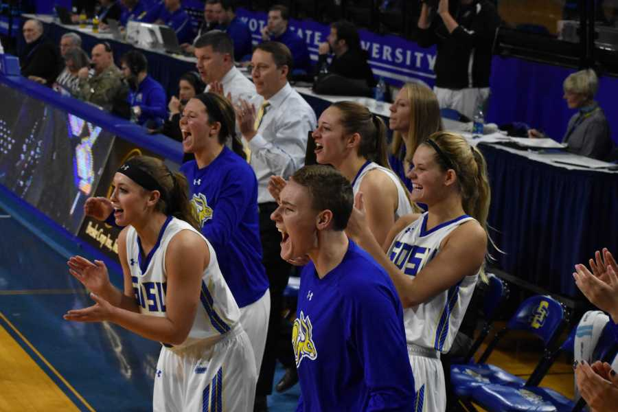 ABBY+FULLENKAMP%0AThe+Jacks+celebrate+a+basket+scored+by+Ellie+Thompson+%2845%29+during+the+second+half+of+the+Jan.+6+game+against+NDSU+in+Frost+Arena.+The+Jacks+beat+the+Bison+83-63.+The+South+Dakota+State+2017-18+women%E2%80%99s+basketball+roster+has+players+from+North+Dakota%2C+Minnesota%2C+Nebraska+and+South+Dakota.+Recruiting+the+best+players+from+around+the+region+has+put+The+Jacks+at+the+top+the+Summit+League+with+a+15-4+record.
