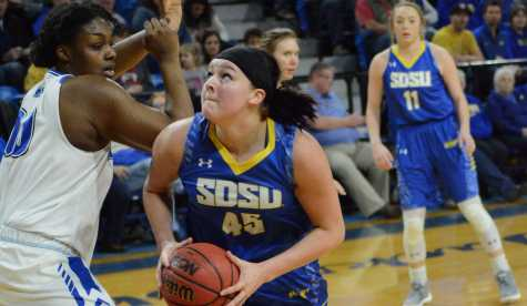 Women's offense hits stride before final stretch of season