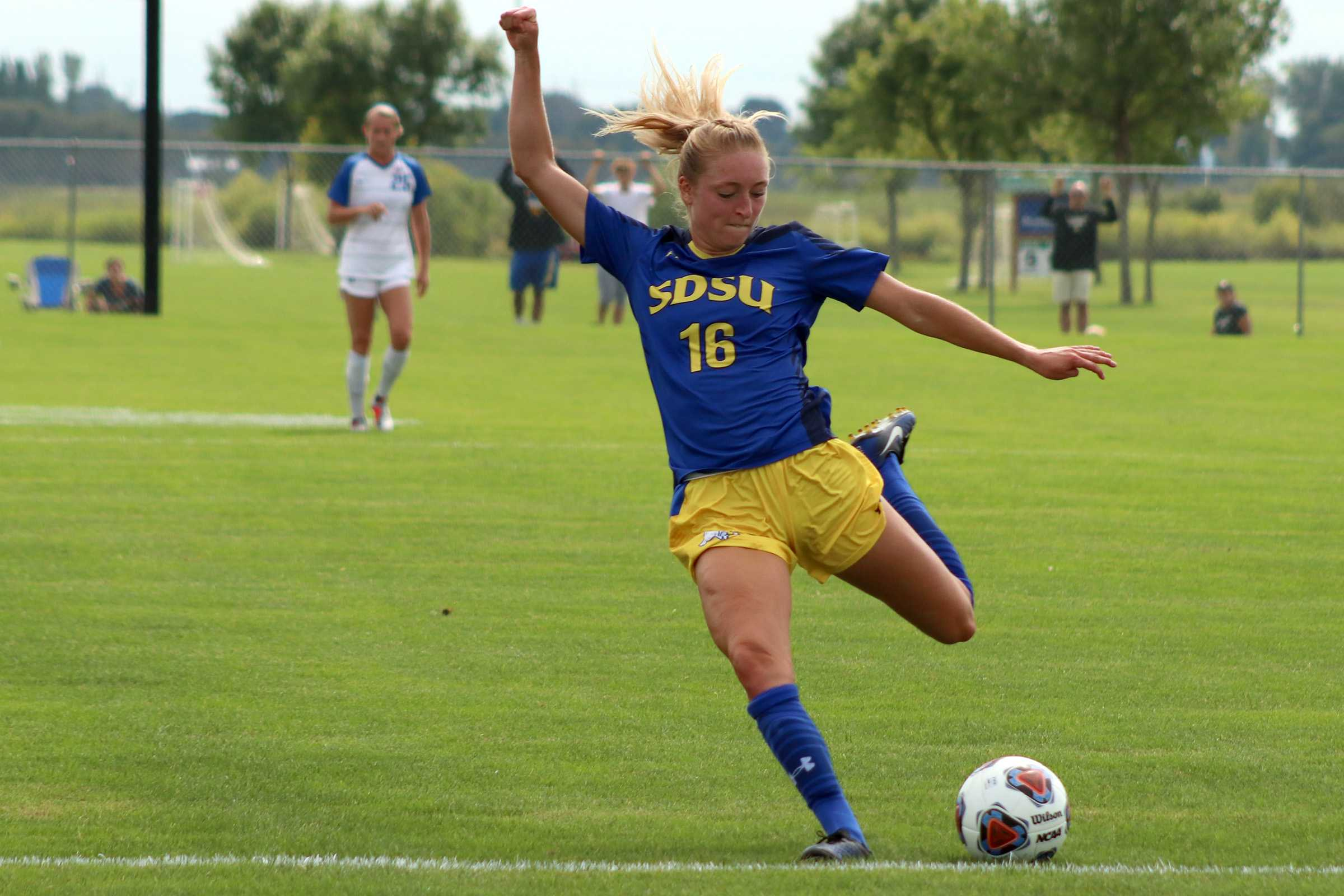 MIRANDA SAMPSON Sophomore forward Marisa Schulz (16) shoots from the top of the box during the SDSU vs. Creighton soccer match on Sunday, Sept. 2 at the Fishback Soccer Park. The Jackrabbits lost 1-0 to the Bluejays.