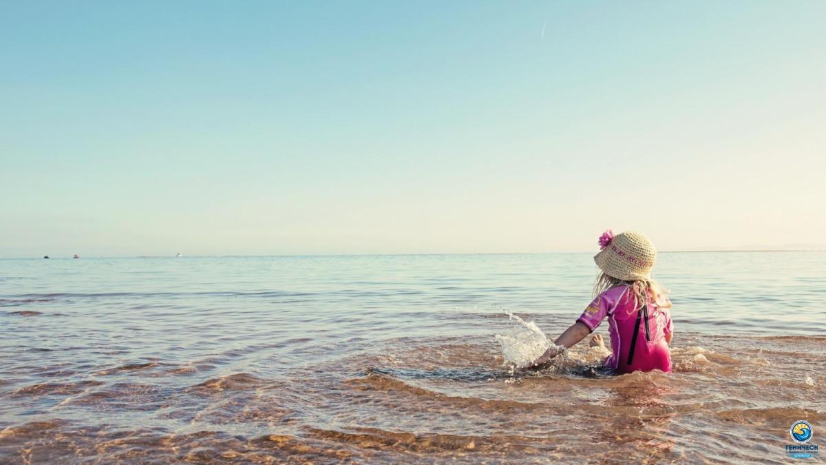 devochka-more-leto-nastroenie