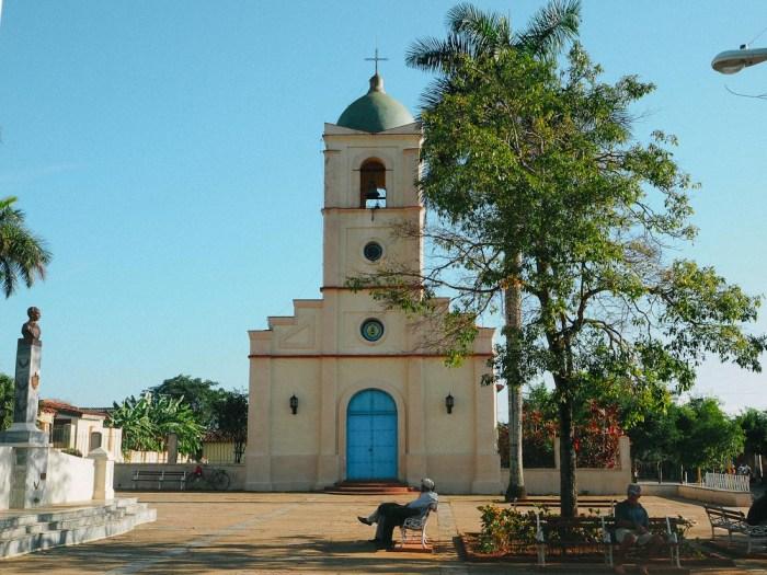 place de l'église vinales