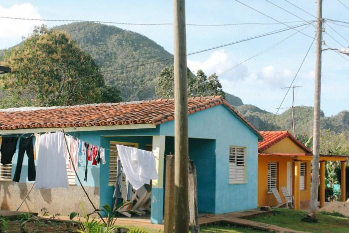 maisons colorées à vinales