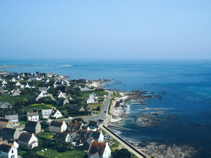 Maisons bretonnes vue d'en haut du phare, Bretagne
