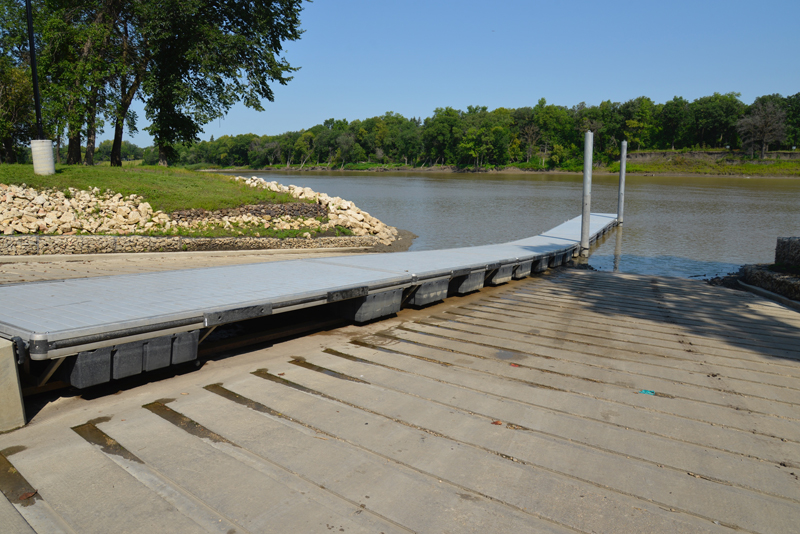 st-vital boat launch L6 dock aluminum dock system - low water