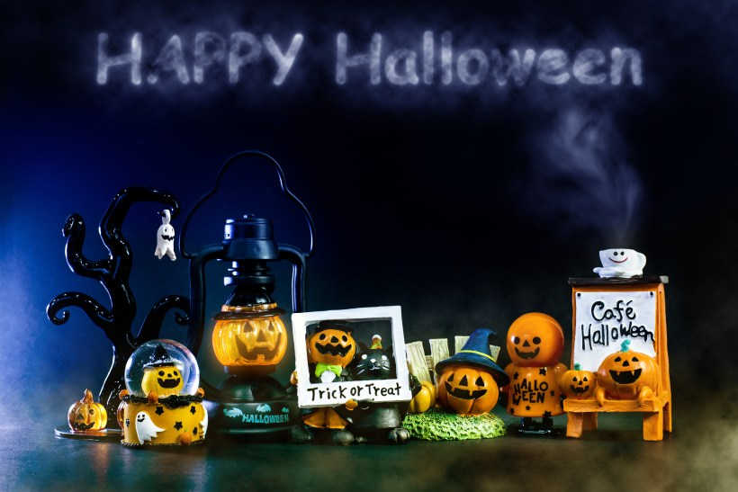 halloween prizes.jpg