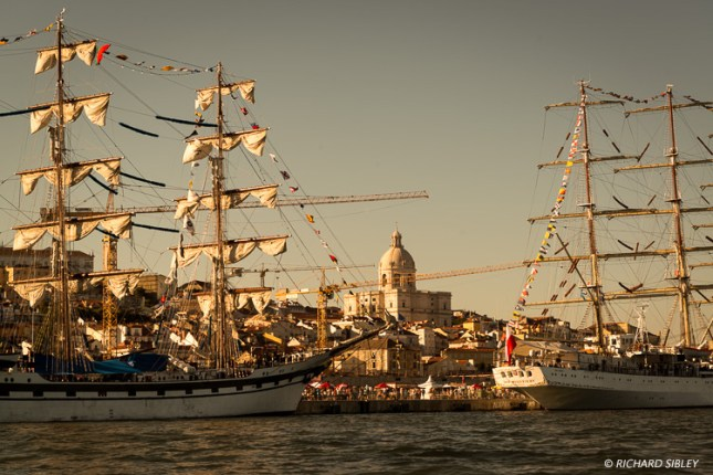 Ships from left to right, Simon Bolivar and Dar Mlodziezy