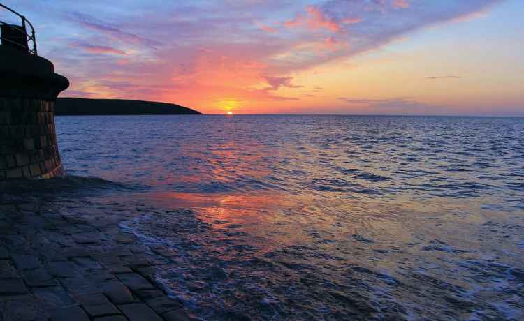 Filey Sunrise, Herring Slip - Landscape