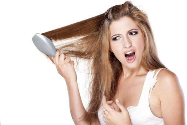 волосы плохо расчесываются