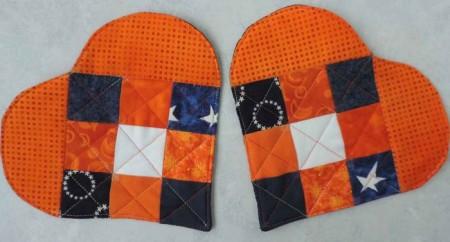 orange and blue mug rugs