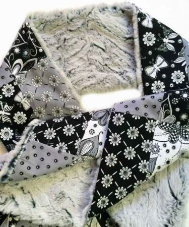 3 Handmade Mother's Day Gifts for Quilters featured by top US quilting blog, Seams Like a Dream Quilt Designs: Kozy Q
