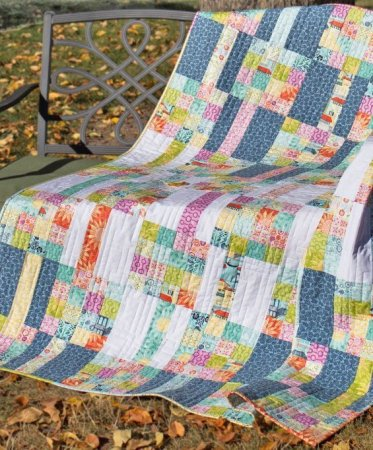 Meander quilt pattern- a pieced FQ friendly quilt