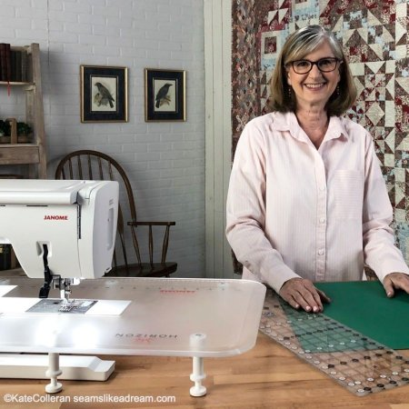 Summer projects by top US quilting blog, Seams Like a Dream Quilt Designs, shares quilt projects she has been working on.