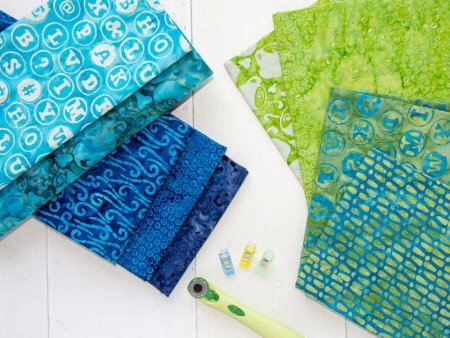 Quilt Colors Tips featured by top US quilt blog and shop, Seams Like a Dream Quilt Designs
