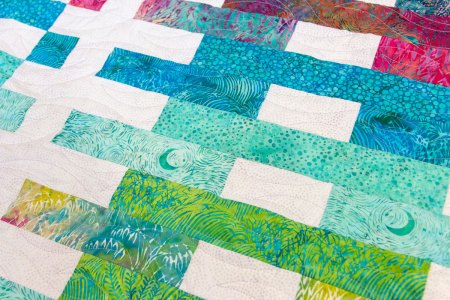 Top US quilting blog and shop, Seams Like a Dream Quilt Designs, shares about her new quilt along, Lighthouse Steps!