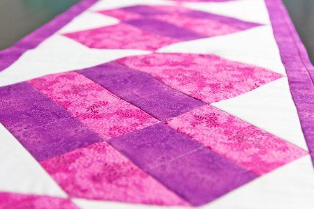 Top US quilting blog and shop, Seams Like a Dream Quilt Designs, shares some fun heart quilts!