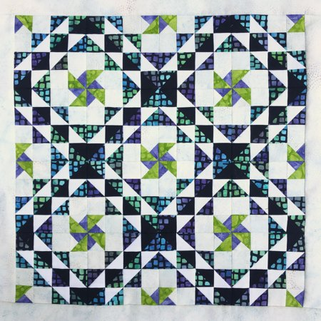 Top US quilting blog and shop, Seams Like a Dream Quilt Designs, shares about the basic Ocean Waves quilt block and her reimagined block!