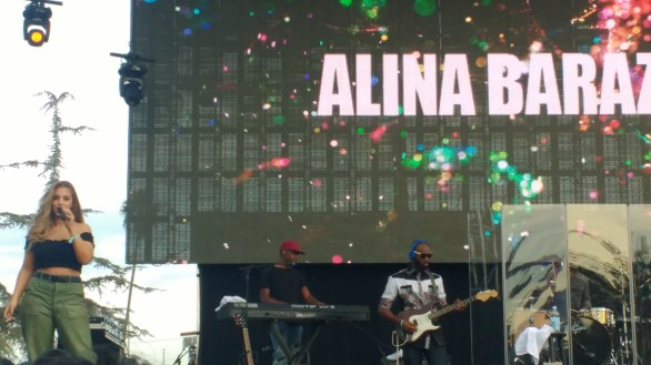 Alina Baraz Side