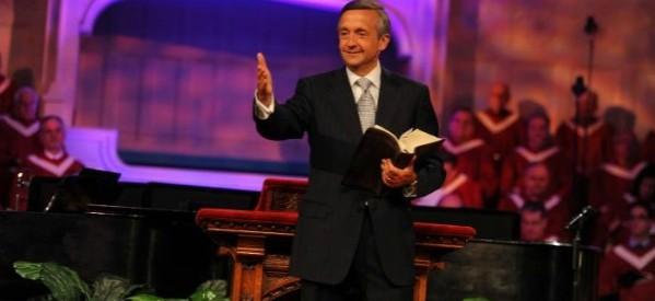 """""""Obama está pavimentando o caminho para o anticristo"""", diz pastor Robert Jeffress"""