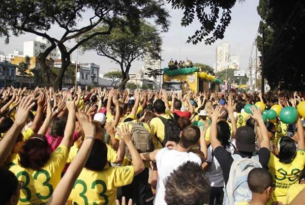 Marcha para Jesus reúne multidão em SP