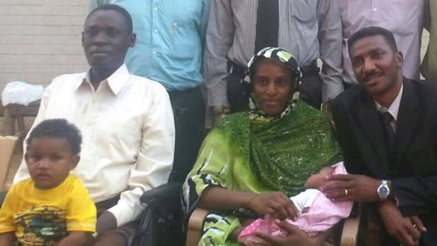 Meriam Ibrahim é novamente libertada