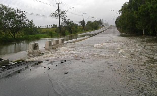 Chuvas no Espírito Santo: Asfalto cede e casa desaba após chuva na Serra - 5