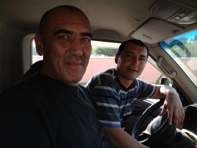 サマルカンド、絨毯工場まで連れて行ってくれたおやじたち【ウズベキスタン(サマルカンド)】
