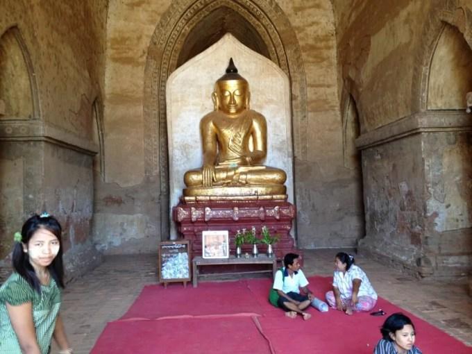 スラマニ寺院の仏像 【バガン遺跡】【ミャンマー(バガン)】