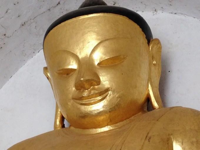 タビィニュ寺院の仏像 【バガン遺跡】【ミャンマー(バガン)】