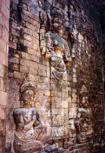 プラサット・クラヴァン(ラクシュミー像)