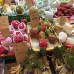 見るだけでも楽しめる、商店街と第一牧志公設市場【沖縄】
