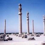 アレクサンドロスに滅ぼされた聖域「ペルセポリス」とアドベ煉瓦の都市遺跡「アルゲバム」【イラン】