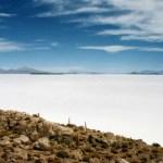 「ウユニ塩湖」見渡す限りの白世界!ジープで行く乾季のウユニツアー【ボリビア】