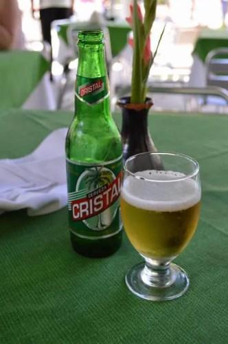 セルベッサ(ビール)を飲む、ハバナ旧市街 【キューバ Cuba】
