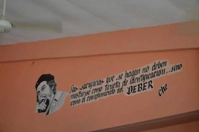 ドライブインの風景、バスでトリニダーへ 【キューバ Cuba】