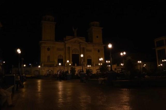 夜のカテドラル、サンティアゴ・デ・クーバの風景 【キューバ Cuba】