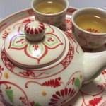 <ベトナム>バッチャン焼きの茶器で蓮茶を飲む