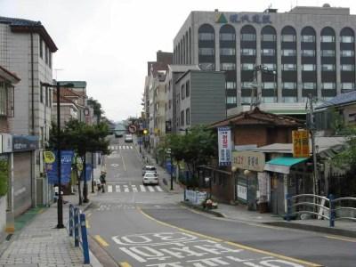 北村韓屋マウル界隈、ヒュンダイ(現代)の社屋【韓国】