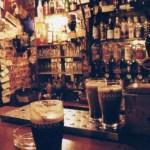 ヨーロッパで最も古いパブ「ザ・ブレイズン・ヘッド」で味わうギネスと音楽【ダブリン】