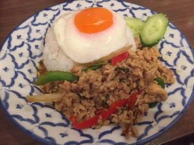 バンコク屋台カオサン、新宿【タイ料理】