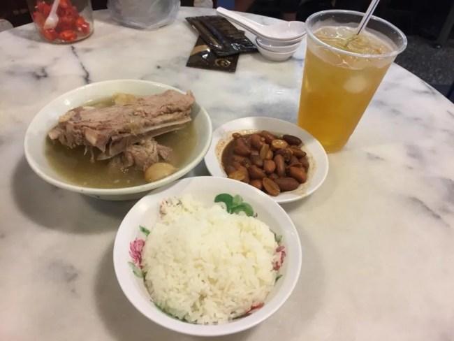 ソンファ・バクテー、肉骨茶【シンガポール】