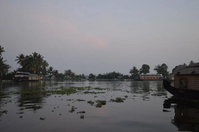 ハウスボート2(南インド・ケララ州)